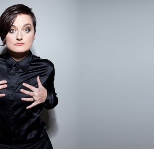 Zoe Lyons to Host BBC Two Game Show