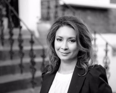 Ayesha Hazarika: Tales From The Pink Bus – Edinburgh Preview, Funny Women