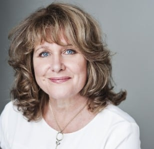 Jan Ravens to host our Charity Awards Final