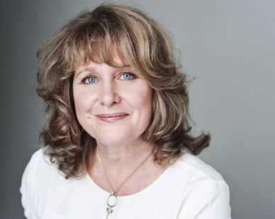 Jan Ravens stars in theatre production of Talking Heads