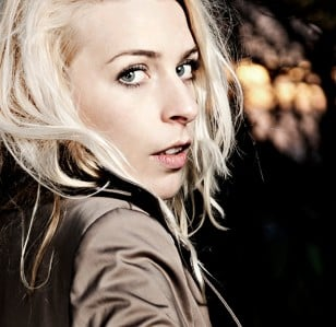 Sara Pascoe makes a song and dance of it